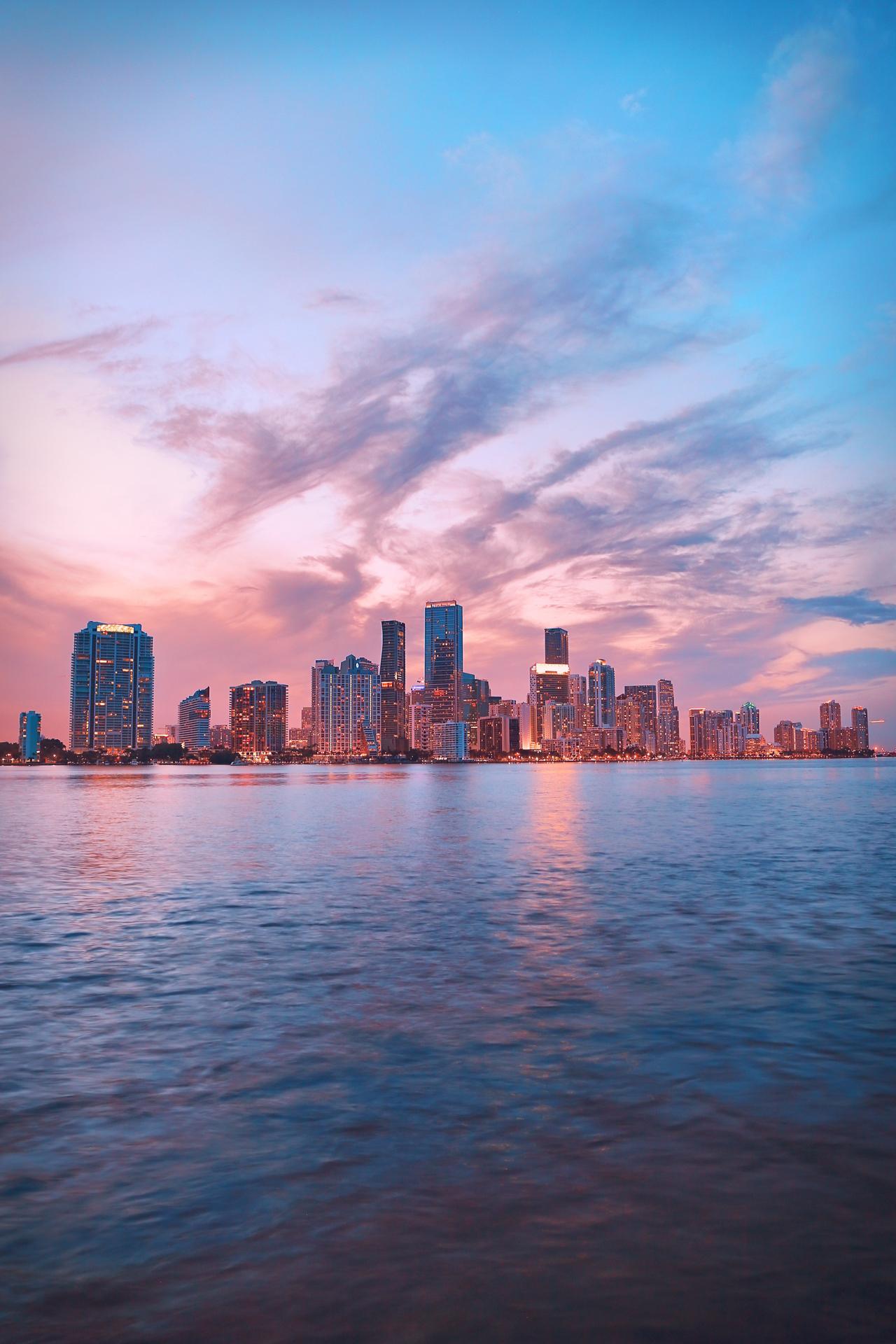 Miami | Cover